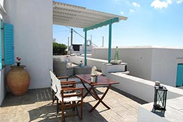 Spacious veranda at the apartment of Kampos Home in Sifnos