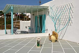 Superior room with large veranda at Sifnos